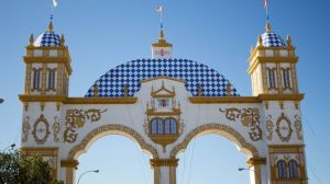 Feria-Abril-Sevilla-encendido-portada_906521056_102529376_667x375